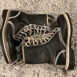 Doc Martens black and white Pierre10 eyelet boots
